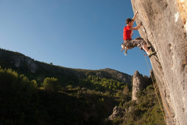 Stephen Horne climbing Quimera (6c) at Pego on the Blanca
